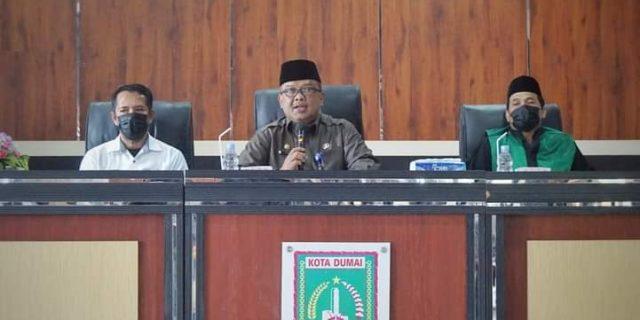 Asisten III, Drs H Khairil Adil, MSi Lakukan Pengambilan Sumpah Jabatan Fungsional 7 Guru Yang Berada Dilingkungan Pemerintah Kota Dumai