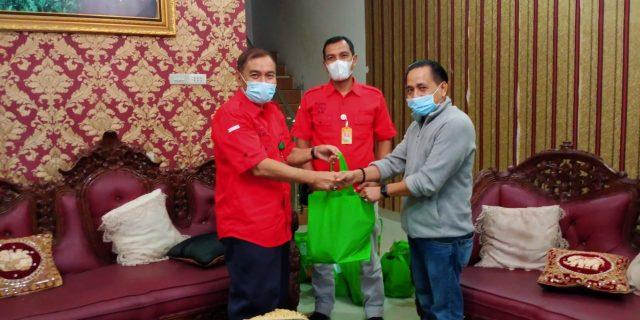 Sambut Idul Fitri, RS Cahaya Bagikan Parcel Ke Sejumlah Wartawan