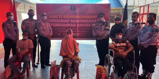"""""""Lapas Kelas IIB Teluk Kuantan Berbagi Sembako Dalam Tajuk #KumhamPeduli """""""